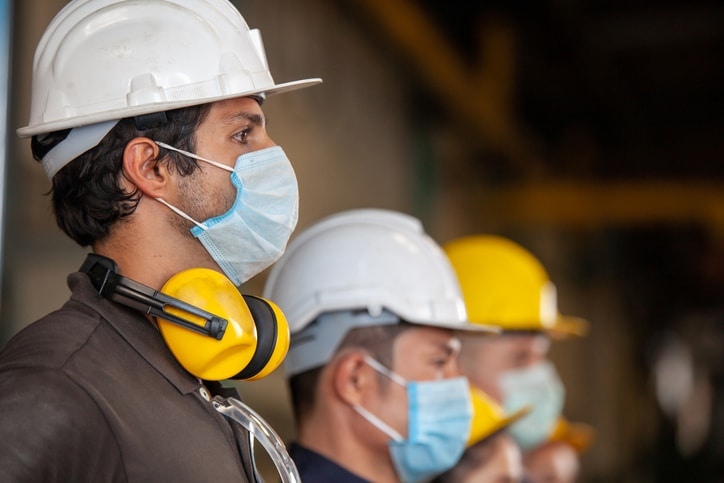 construction-workers-ppe-masks