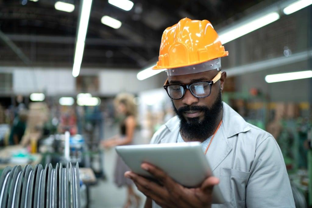engineer-using-tablet